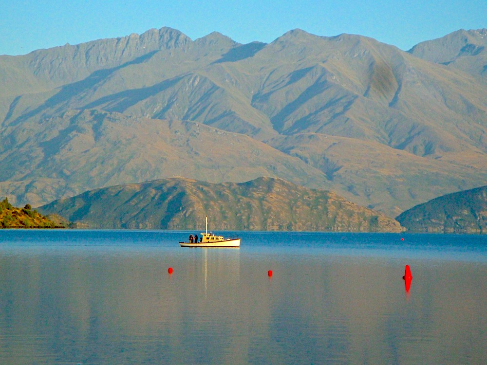 Wanaka Lake, New Zealand