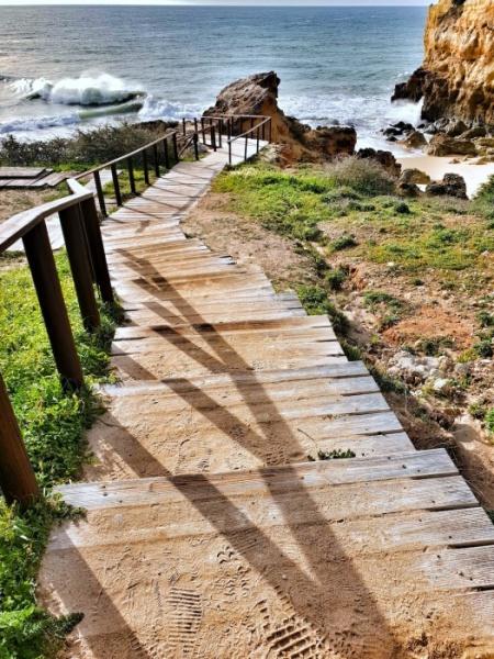 Albandeira steps Portugal