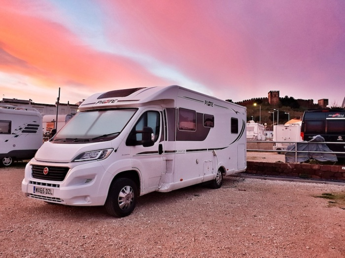 Scoobie, camperstop do costello, Silves, Portugal