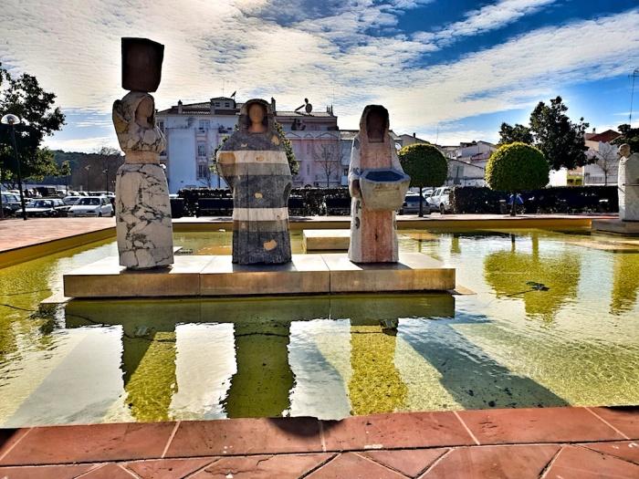 Silves Statues, Parça Al'Mutamid,Portugal