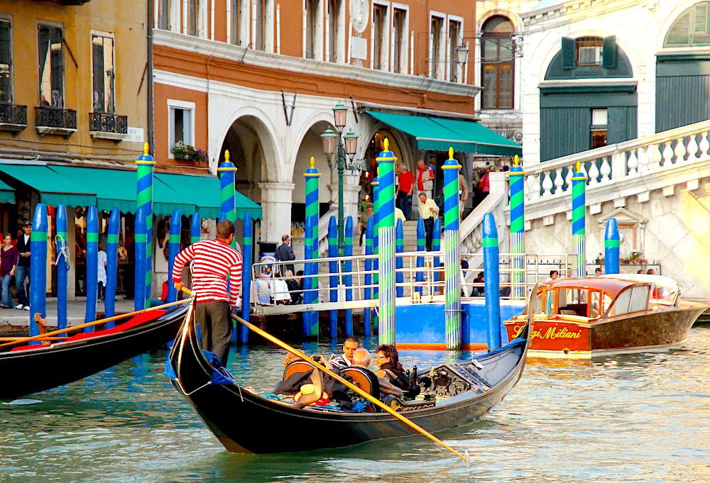 Venice gondala Rialto