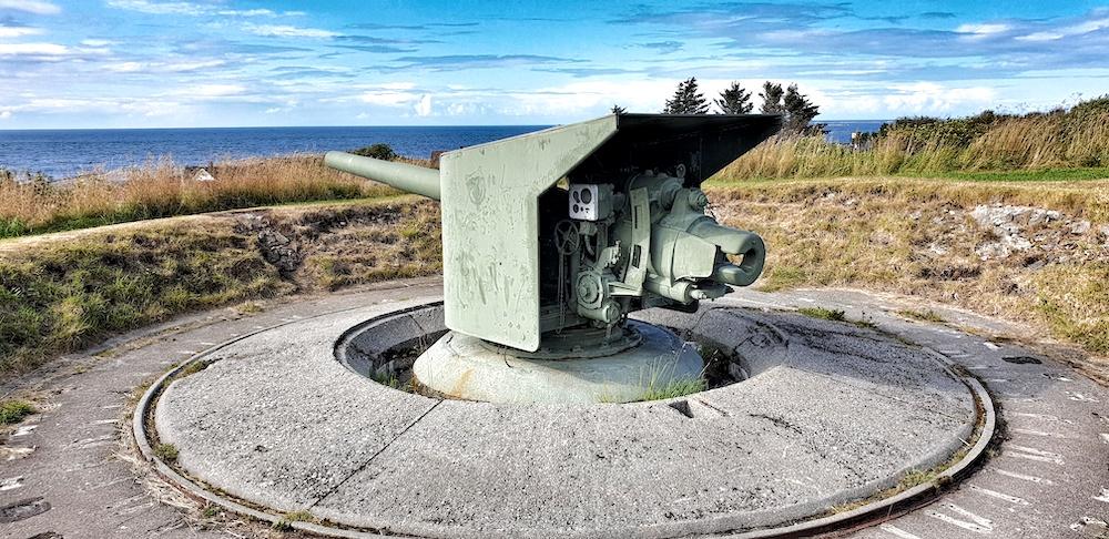 Bud war memorial
