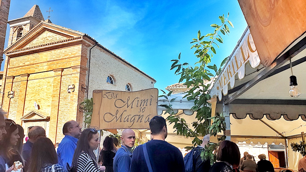 Smerillo chestnut festival